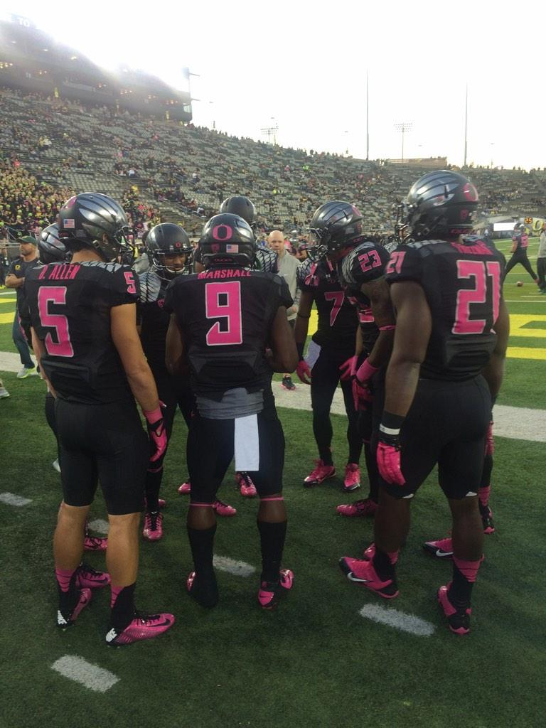 outlet store 9095e b99a8 We love our UO Football team for supporting breast cancer ...